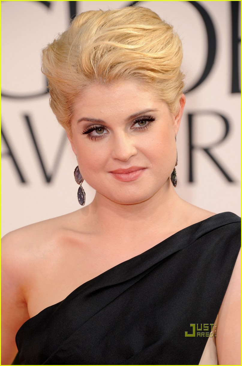 kelly osbourne golden globes red carpet 2011 06