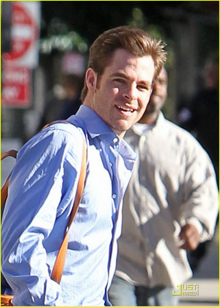 chris pine welcome to people downtown filming 04