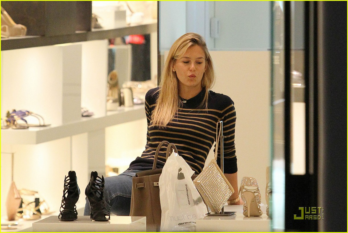 bar refaeli shopping 03