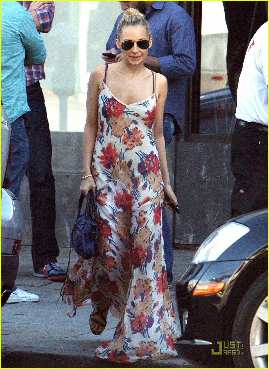 nicole richie floral dress lunch 03