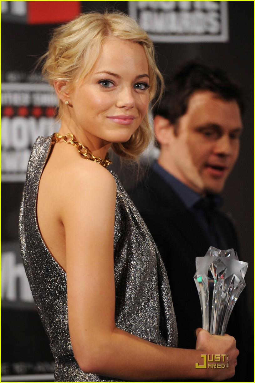 emma stone critics choice 03