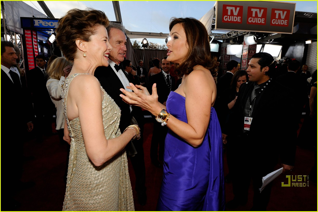 hilary swank mariska hargitay sag awards 2011 03