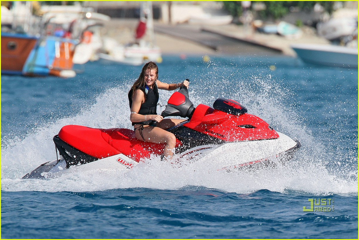 rosie huntington whiteley jason statham jet ski 09