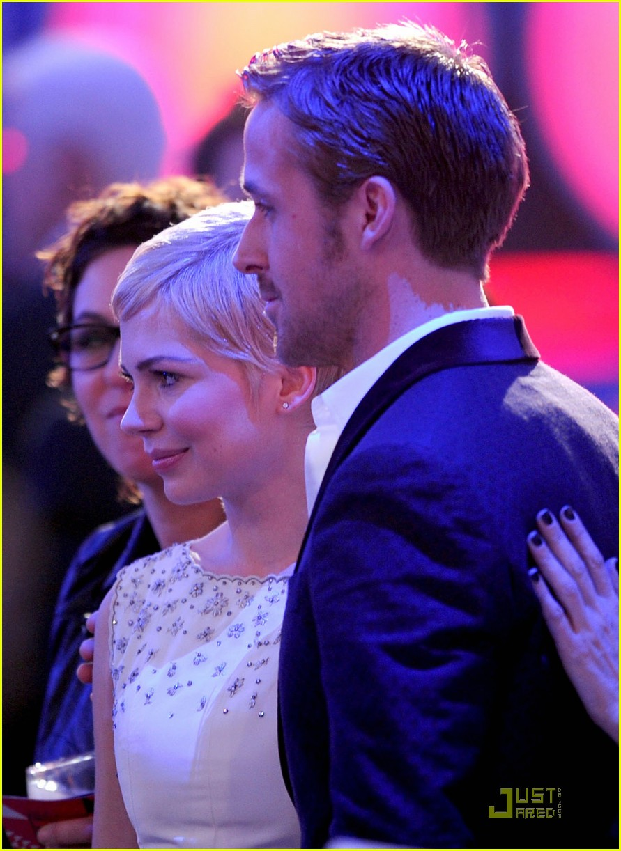 michelle williams ryan gosling critics choice 02