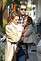 jessica alba breakfast with cash honor 07