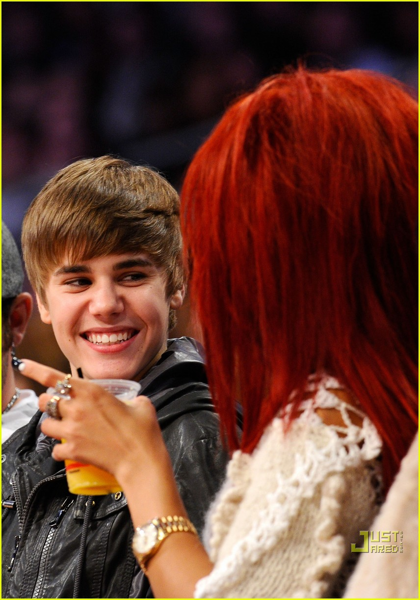justin bieber nba all star game rihanna 12