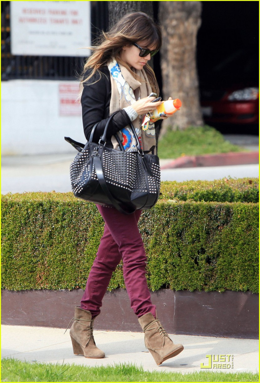 rachel bilson west hollywood salon stop 022522712