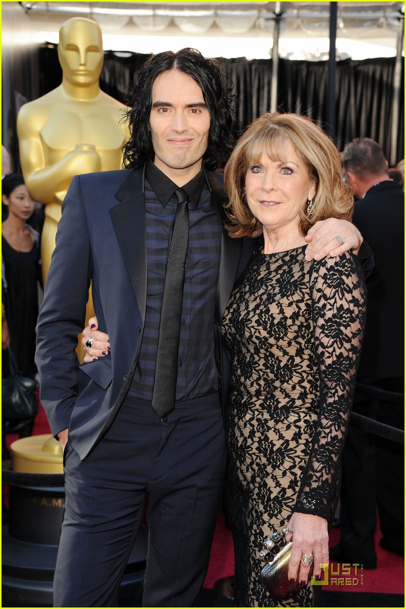 russell brand oscars 2011 082523617