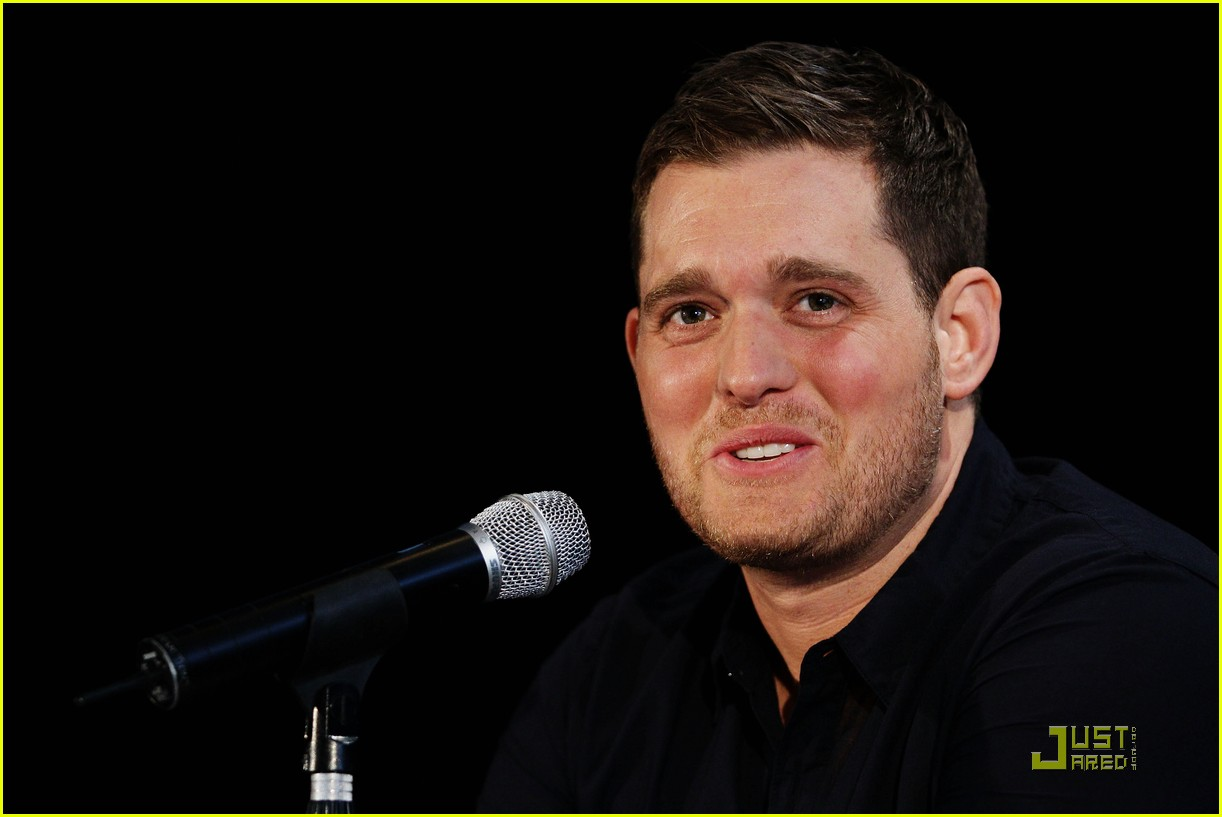 michael buble brings crazy love down under 082518350