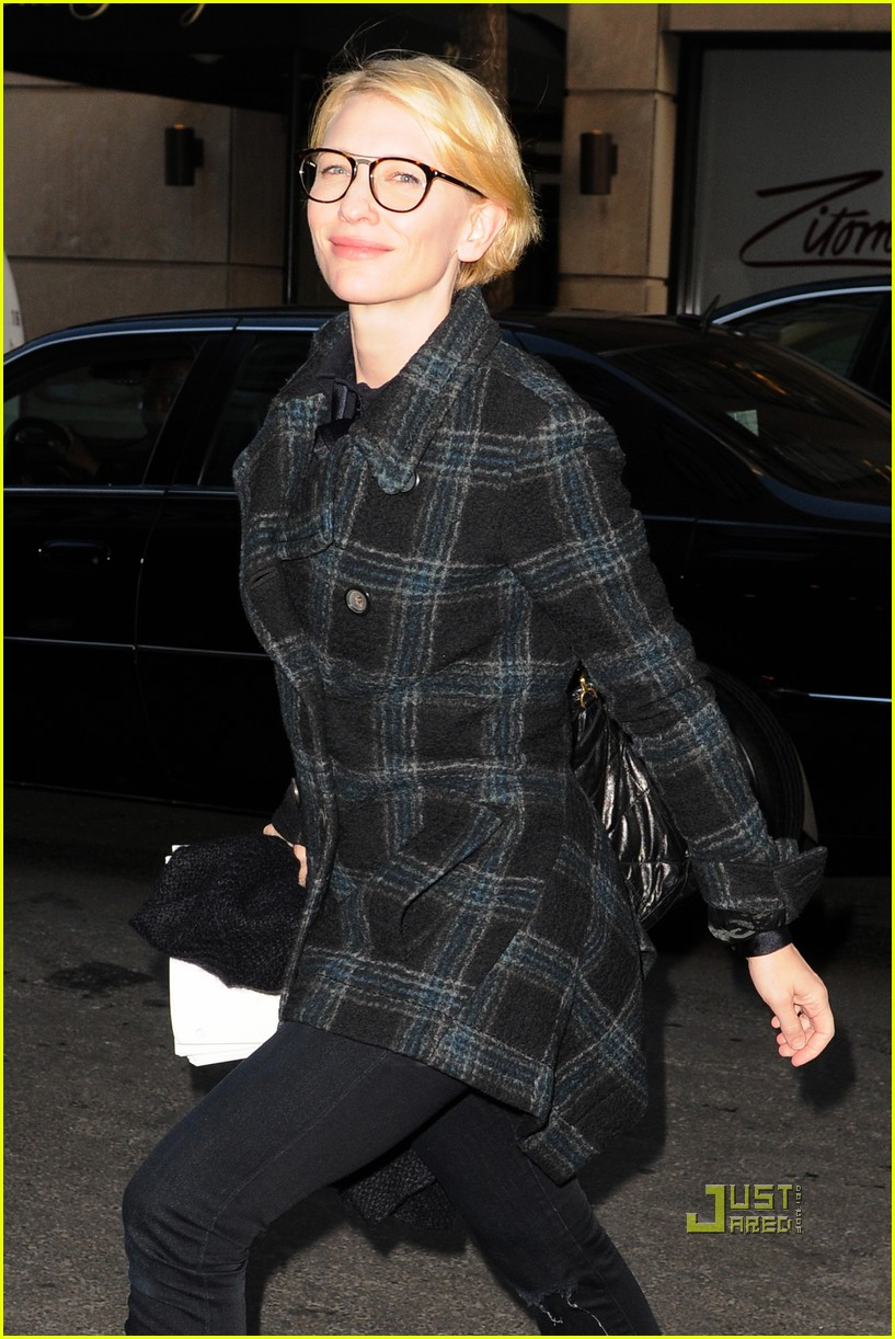 cate blanchett plaid glasses 04
