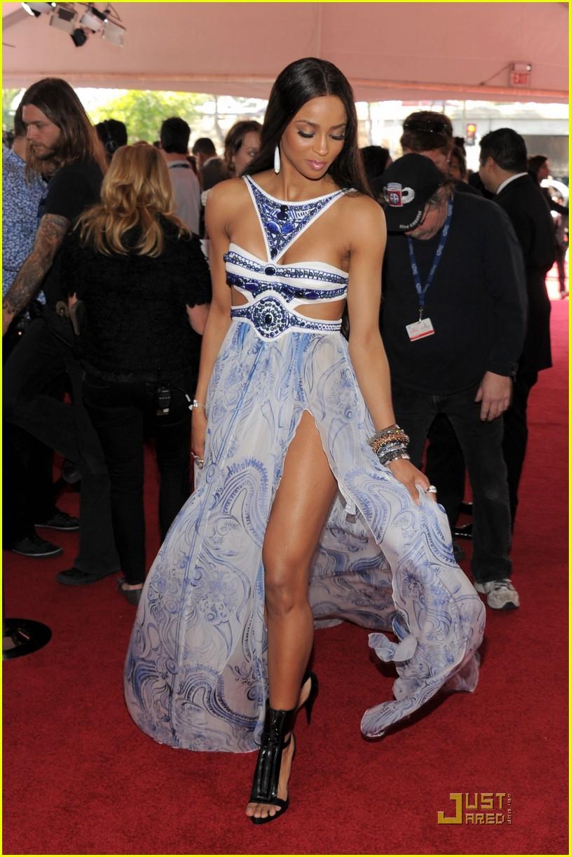 ciara 2011 grammys 03