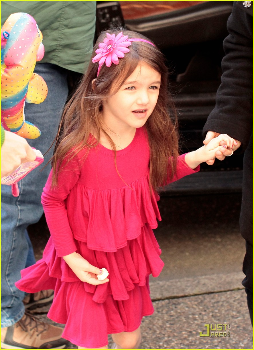 suri cruise starbucks 06