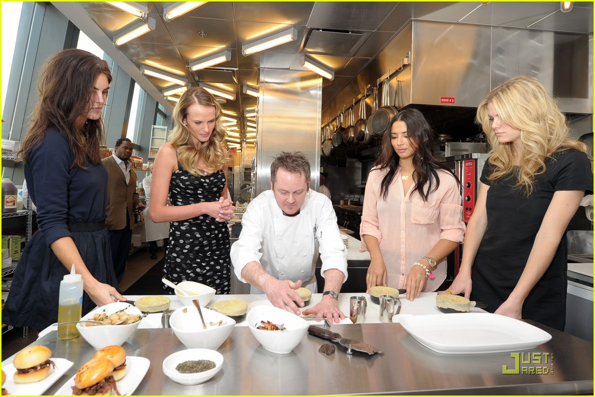 brooklyn decker anne v stk cooking class 022520441