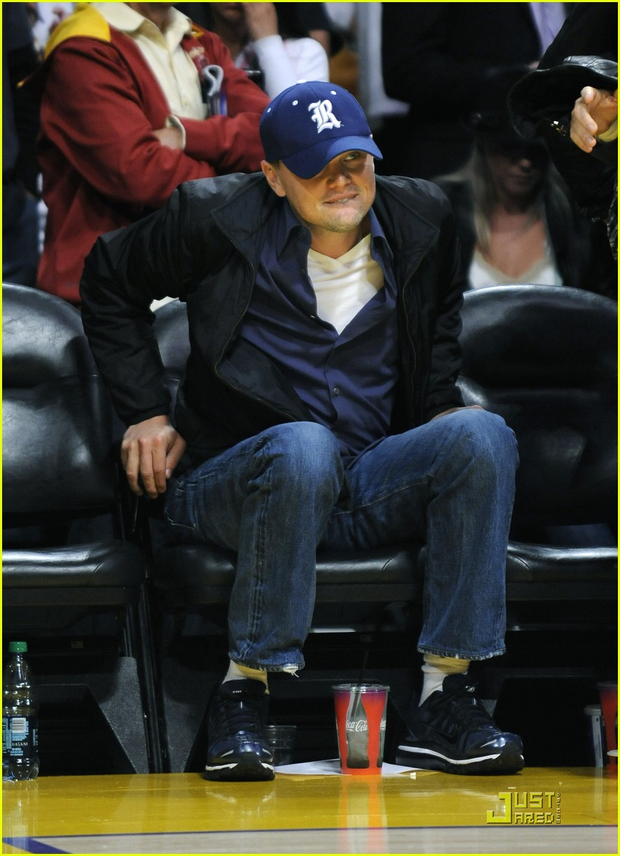 leonardo dicaprio sad the lakers lost 01