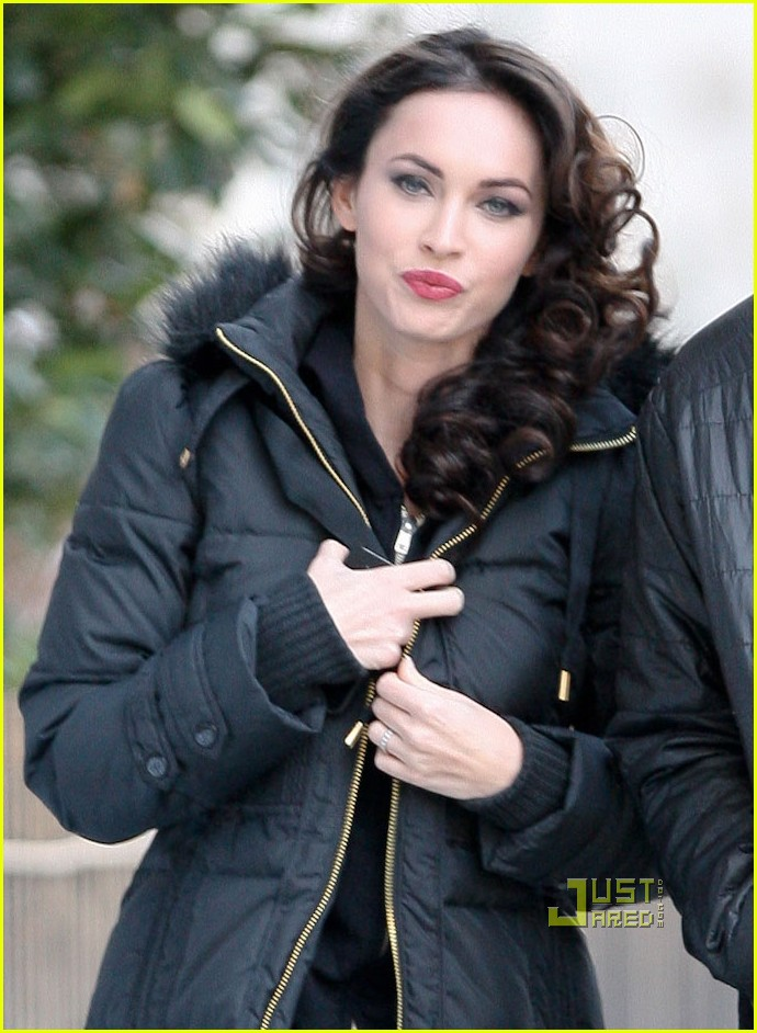 Megan fox friends with kids in nyc click for details fox and friends