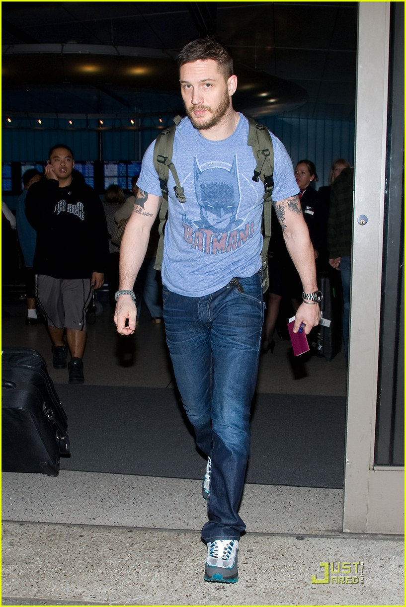 tom hardy batman shirt lax 01