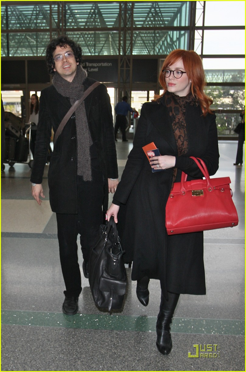 christina hendricks four eyed flight 02