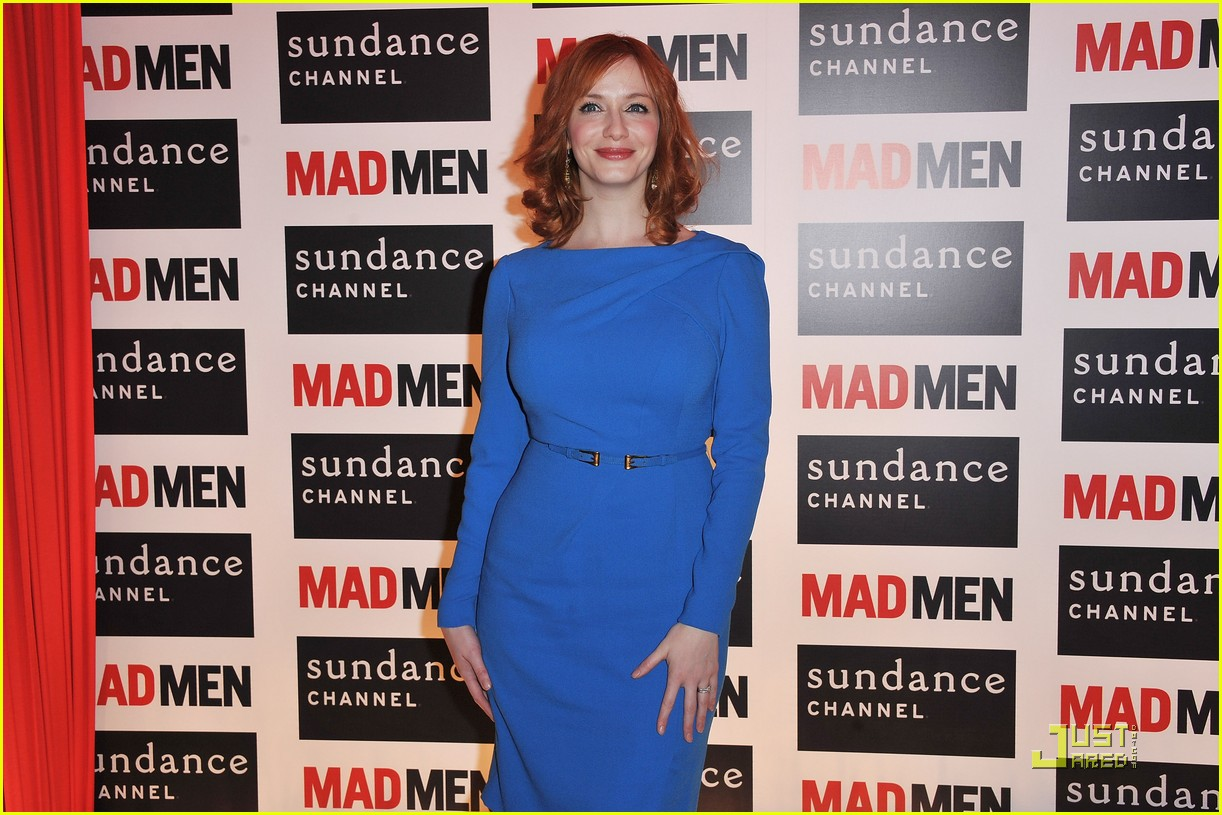 christina hendricks looks perfect in paris 10