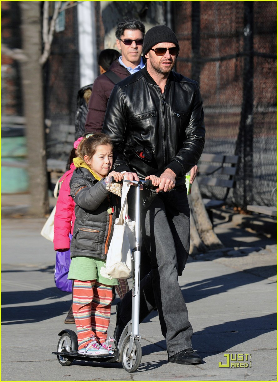 hugh jackman valentines day with ava 03
