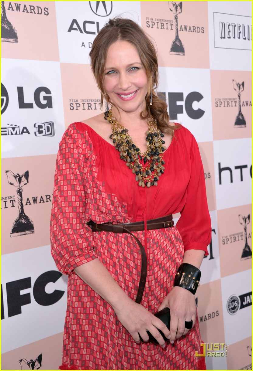 melissa leo vera farmiga spirit awards 2011 02