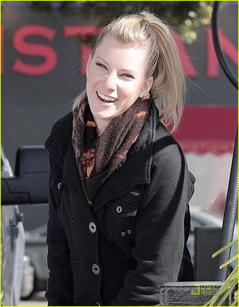 heather morris gas station 09