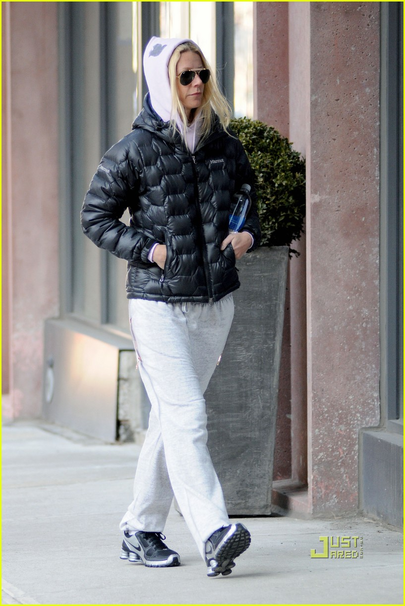 gwyneth paltrow puffy coat nyc 01
