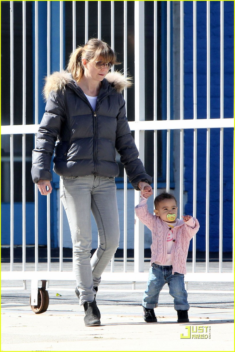 ellen pompeo petting zoo with stella 01