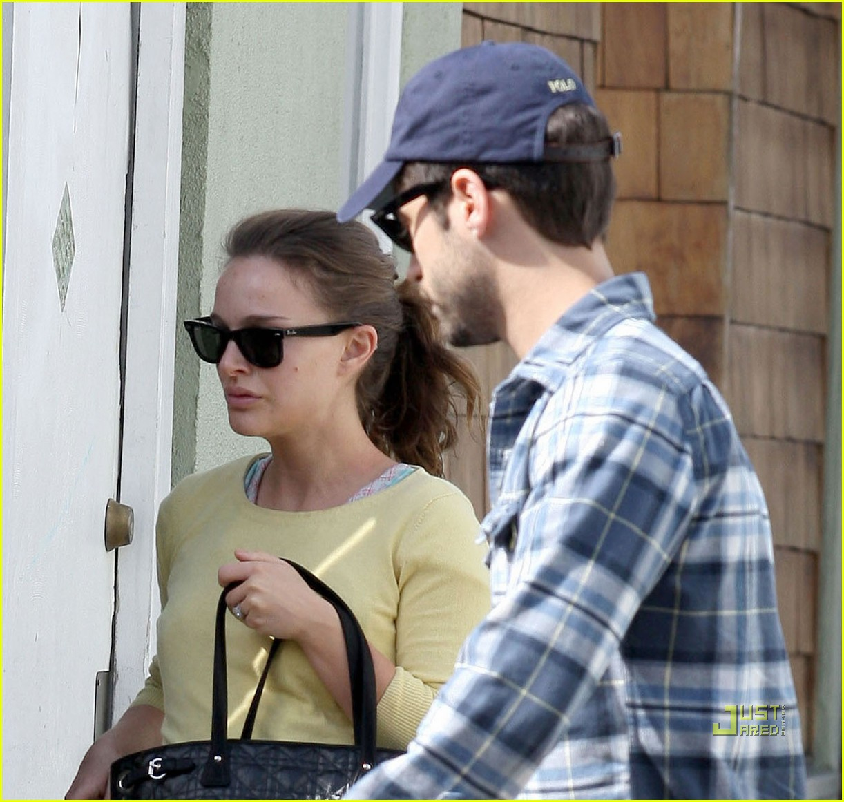 natalie portman benjamin millepied post oscar brunch 02