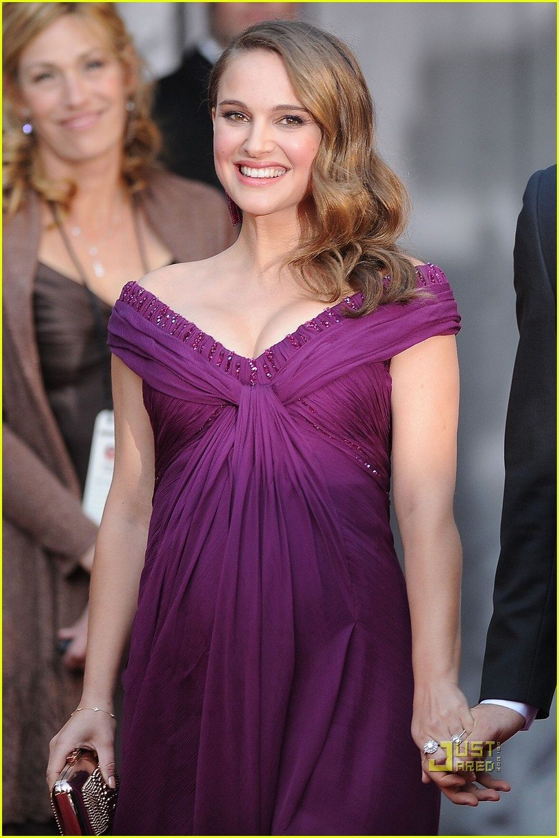 natalie portman oscars 2011 red carpet 06