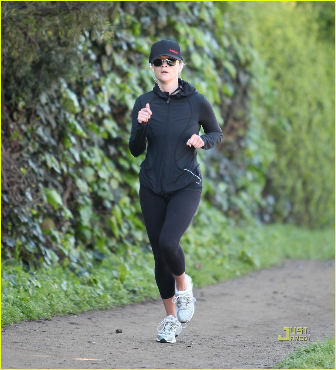 of reese witherspoon jog baseball cap 10 | Photo 2516125 | Just Jared ...