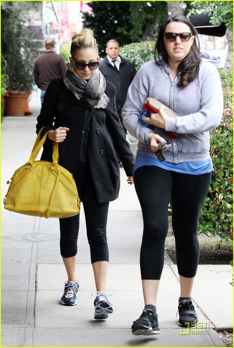 nicole richie happy workout woman 072521222