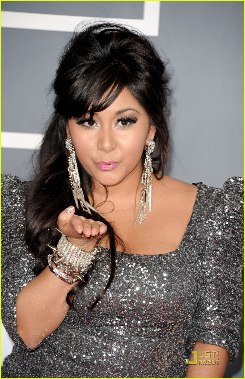 snooki situation grammys red carpet 10