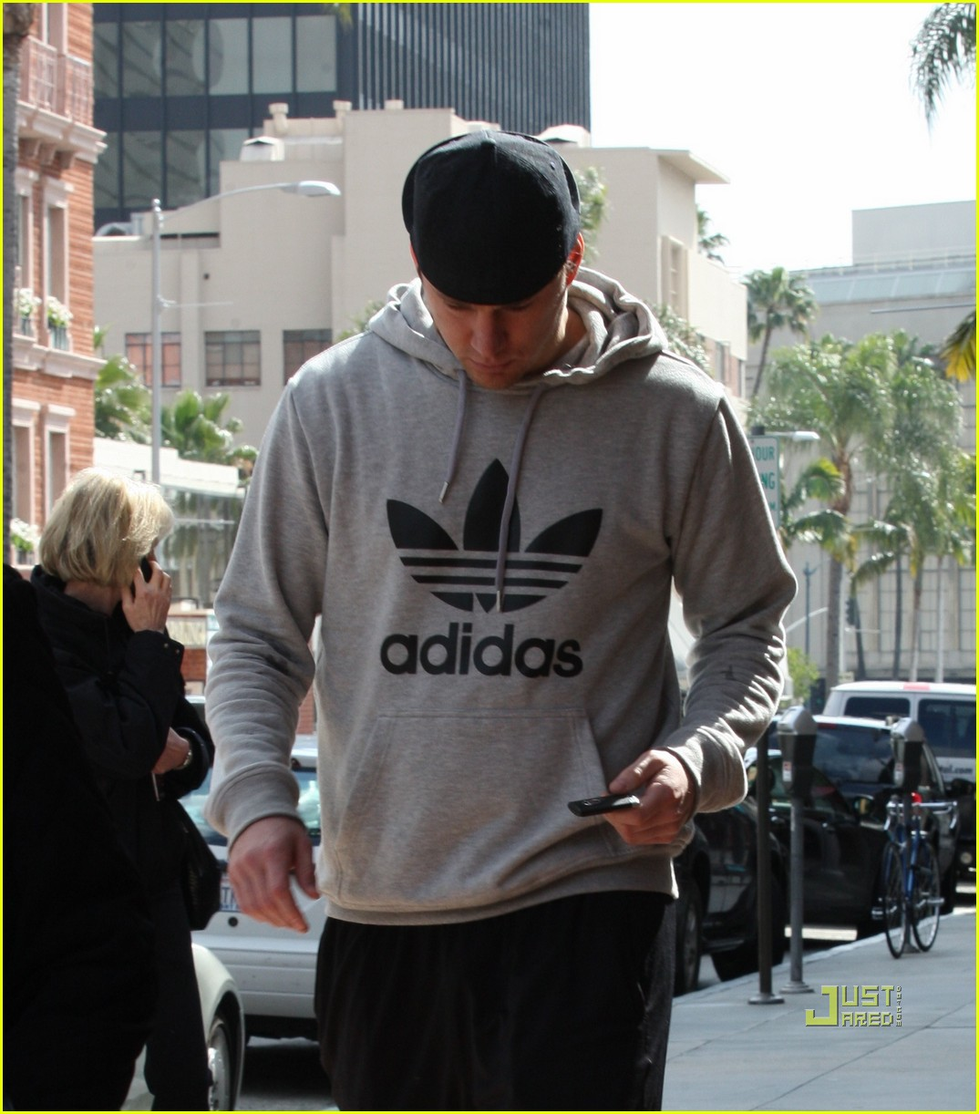 channing tatum adidas medical center 01