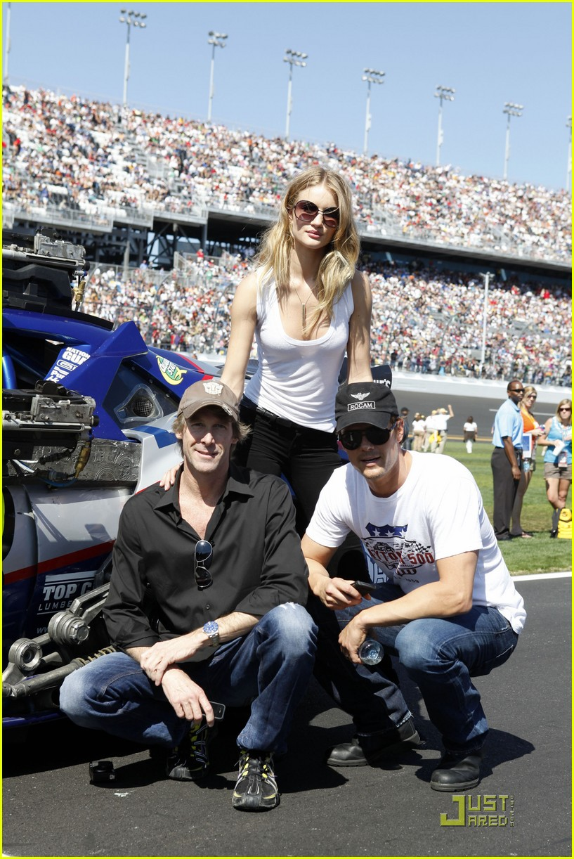 rosie huntington whiteley daytona 500 022521530