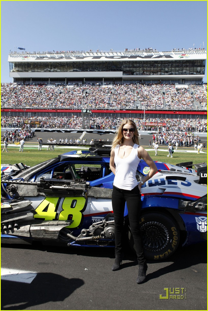 rosie huntington whiteley daytona 500 032521531