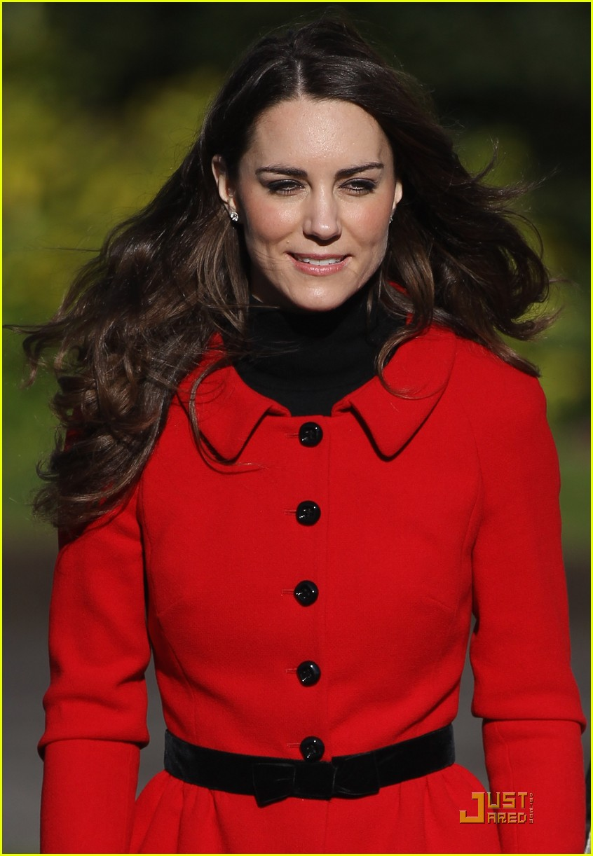 prince william kate middleton return to st andrews 102522843