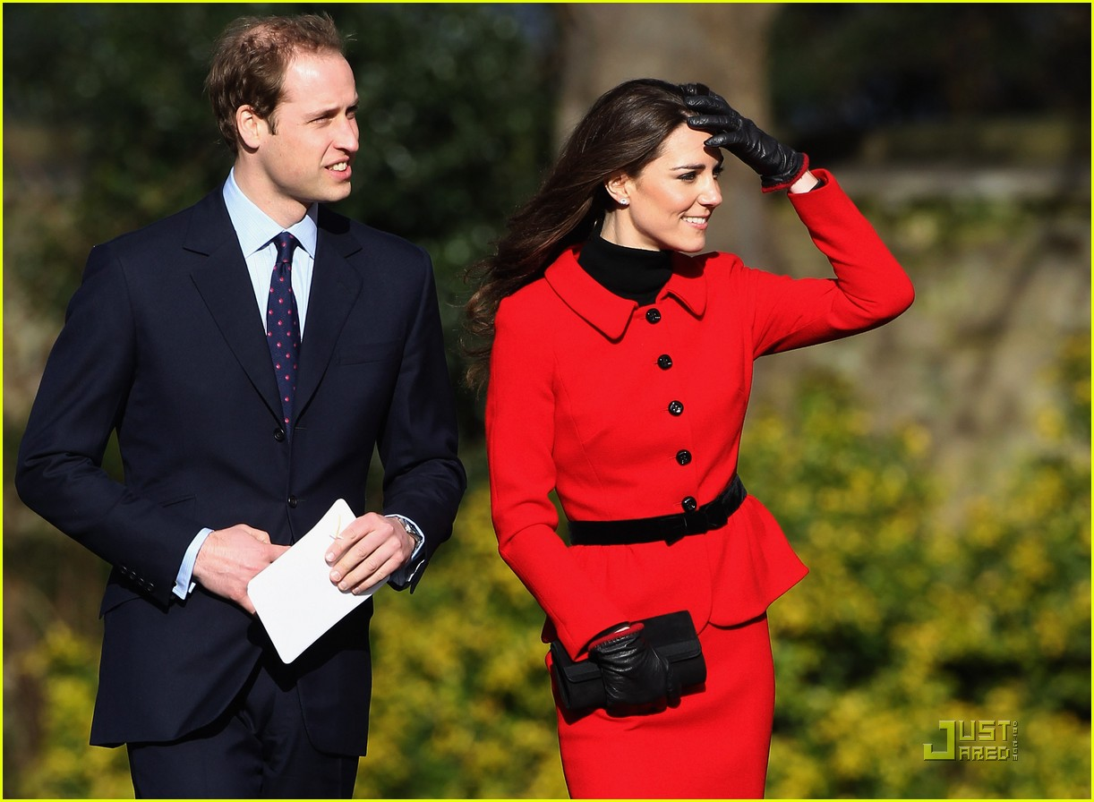 prince william kate middleton return to st andrews 11