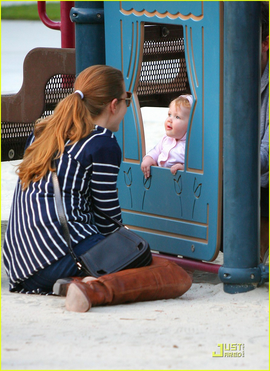 amy adams plays in the park with aviana 06
