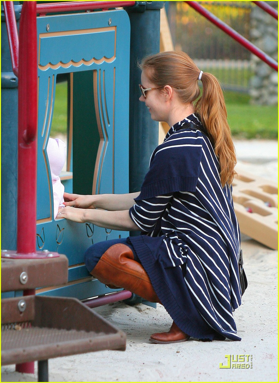 amy adams plays in the park with aviana 09