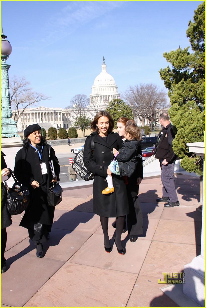 jessica alba library of congress read across america day 05
