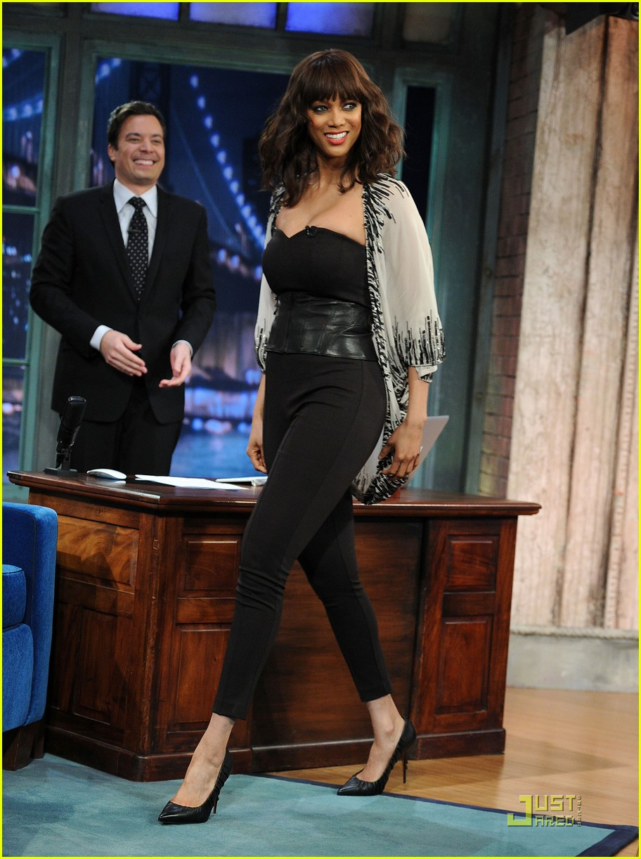 tyra banks jimmy fallon 06