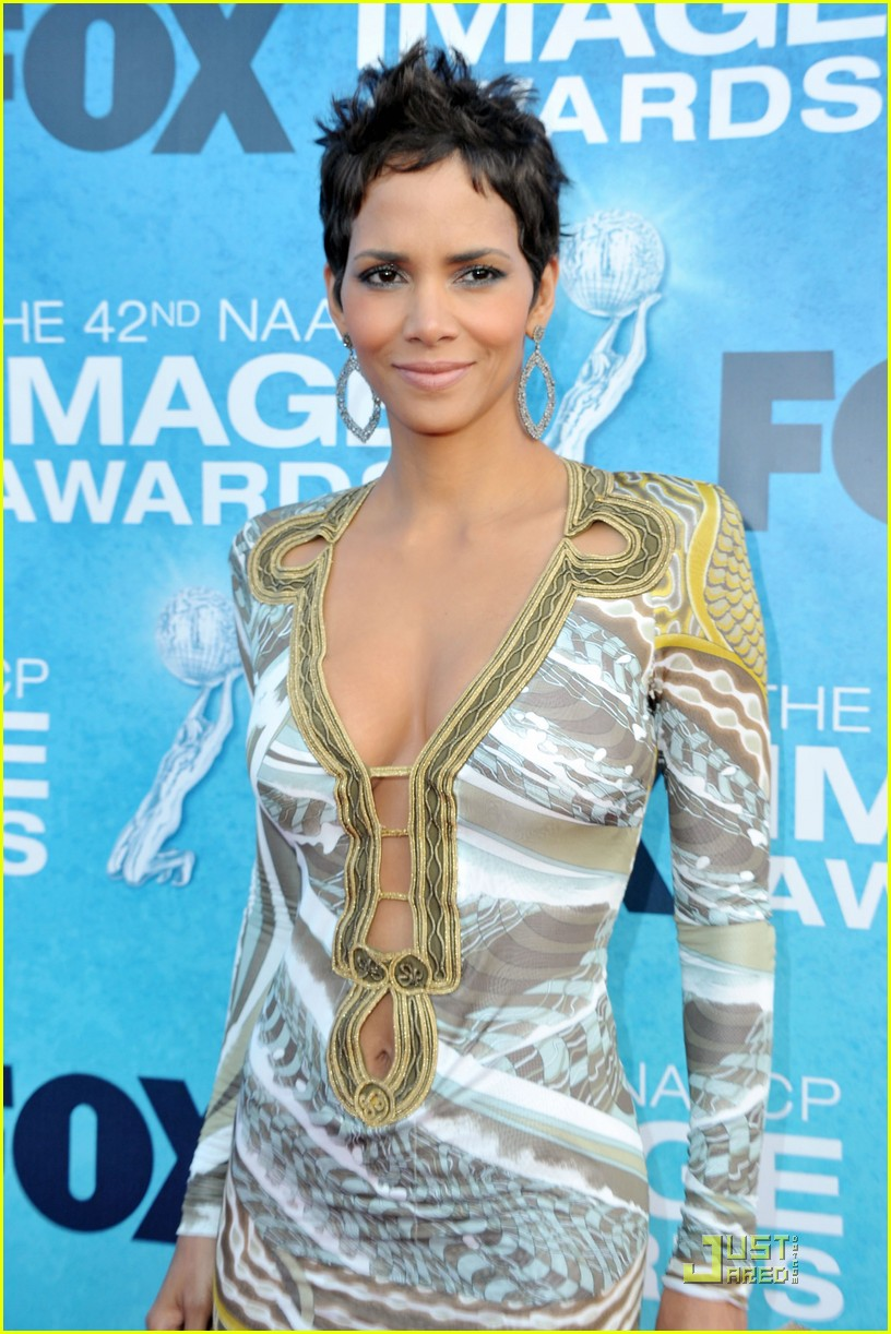 halle berry naacp image awards 02