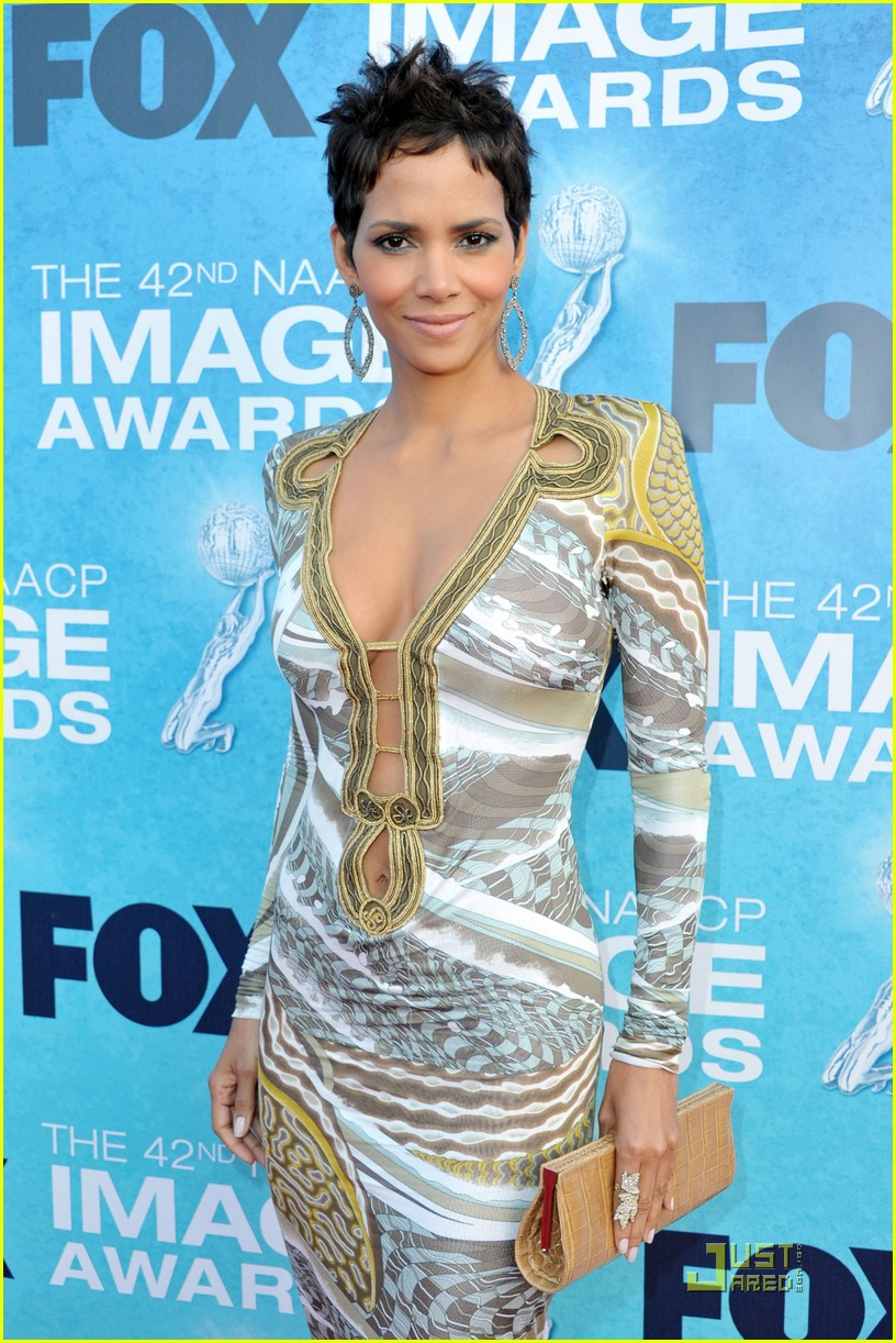 halle berry naacp image awards 13
