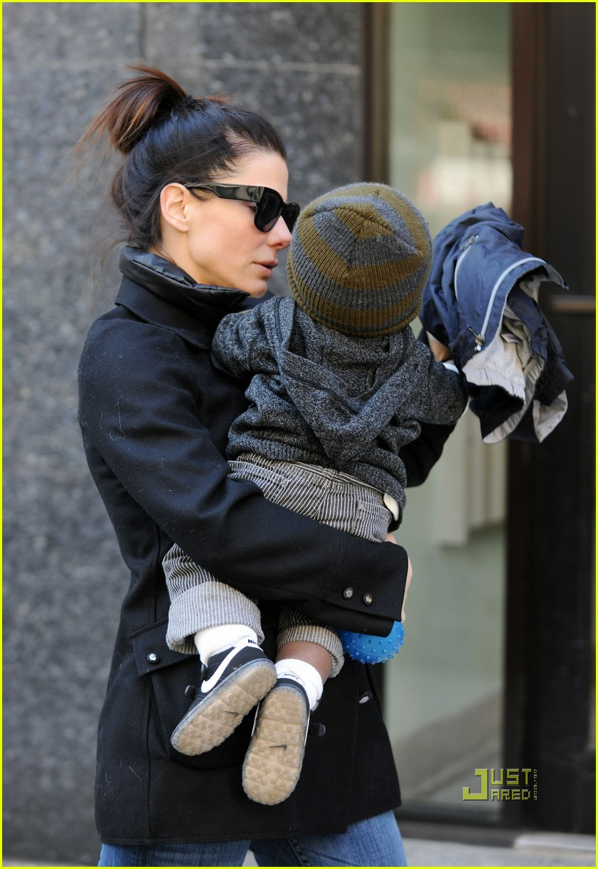 sandra bullock louis playground 02