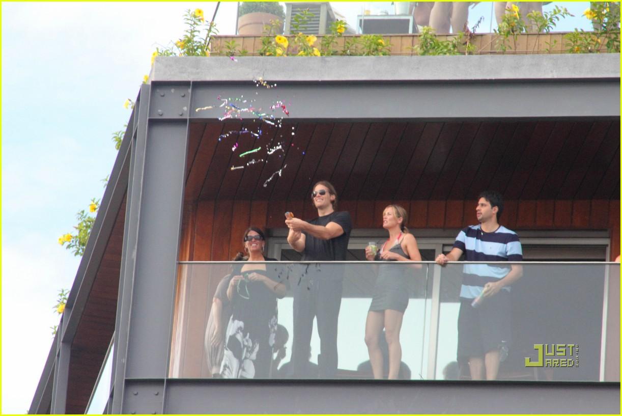 gisele bundchen tom brady brazil balcony 22