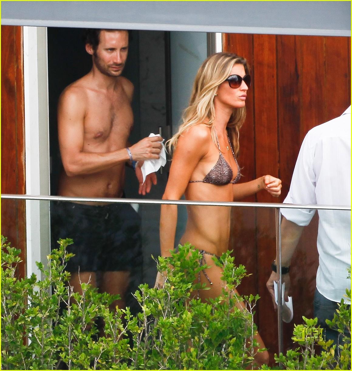gisele bundchen bikini hotel pool brazil 03