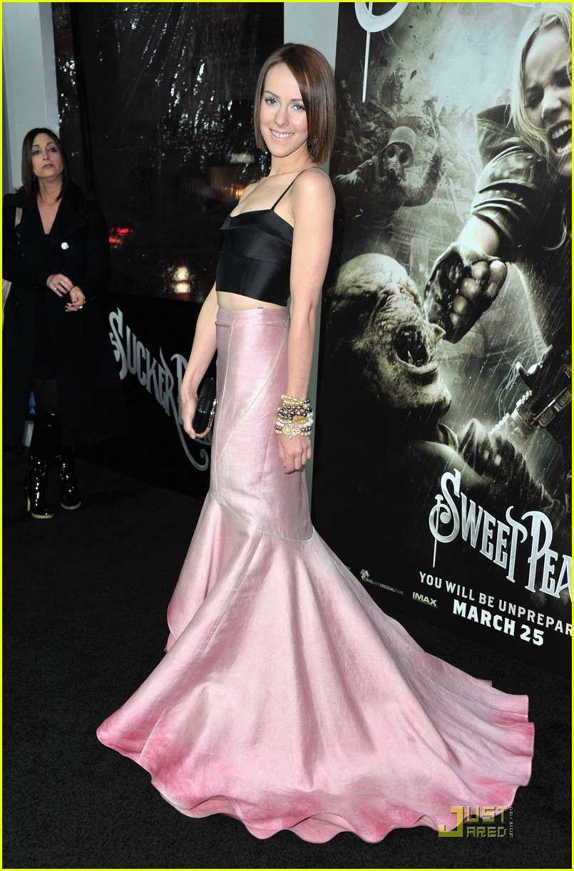 emily browning jamie chung sucker punch premiere 05