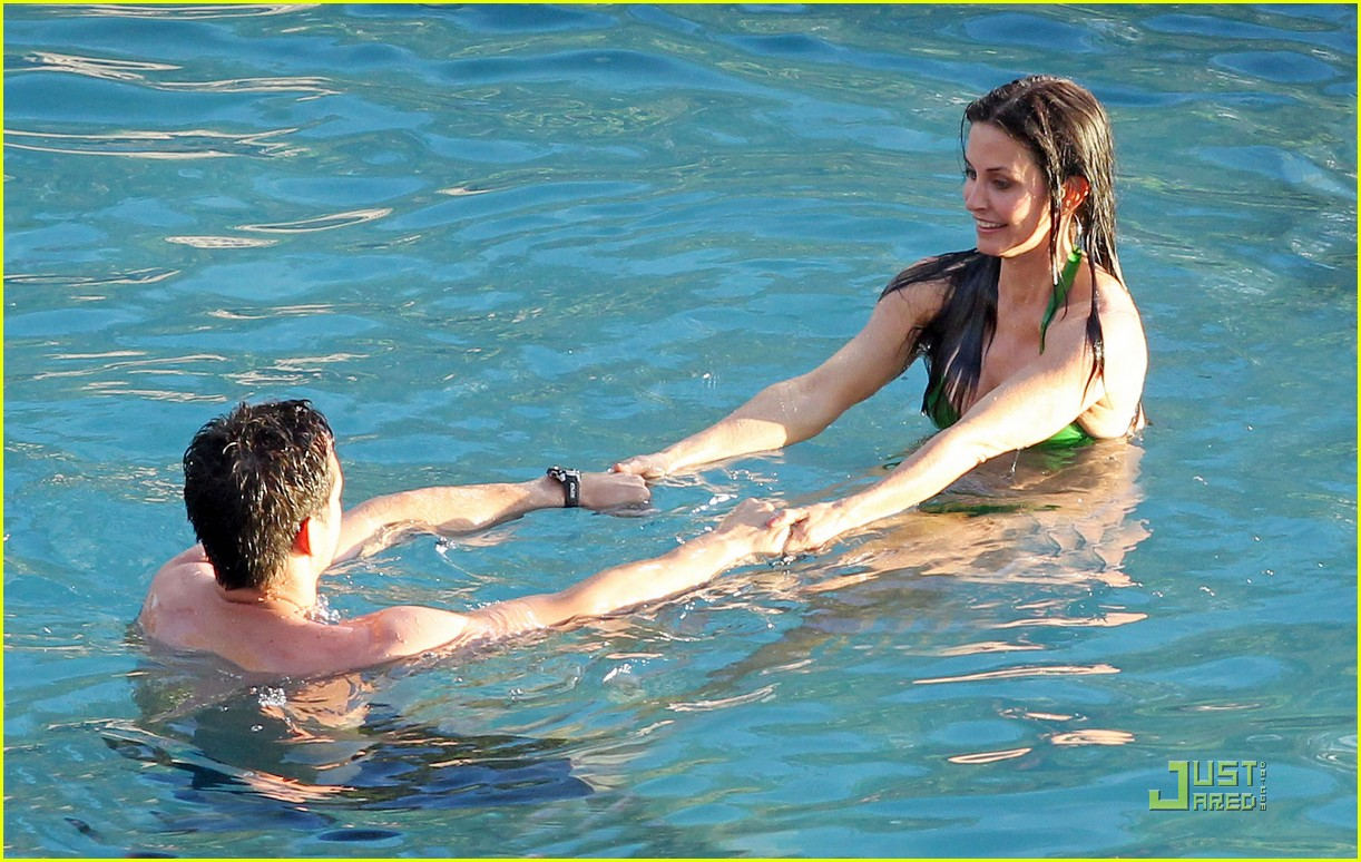 courteney cox josh hopkins cougar town twosome 112524662