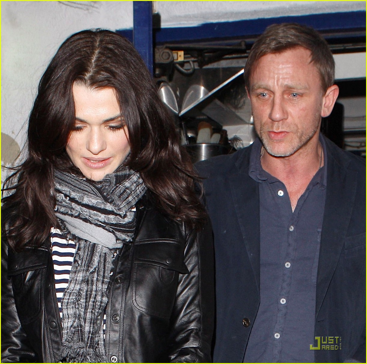 daniel craig rachel weisz little door 012526324