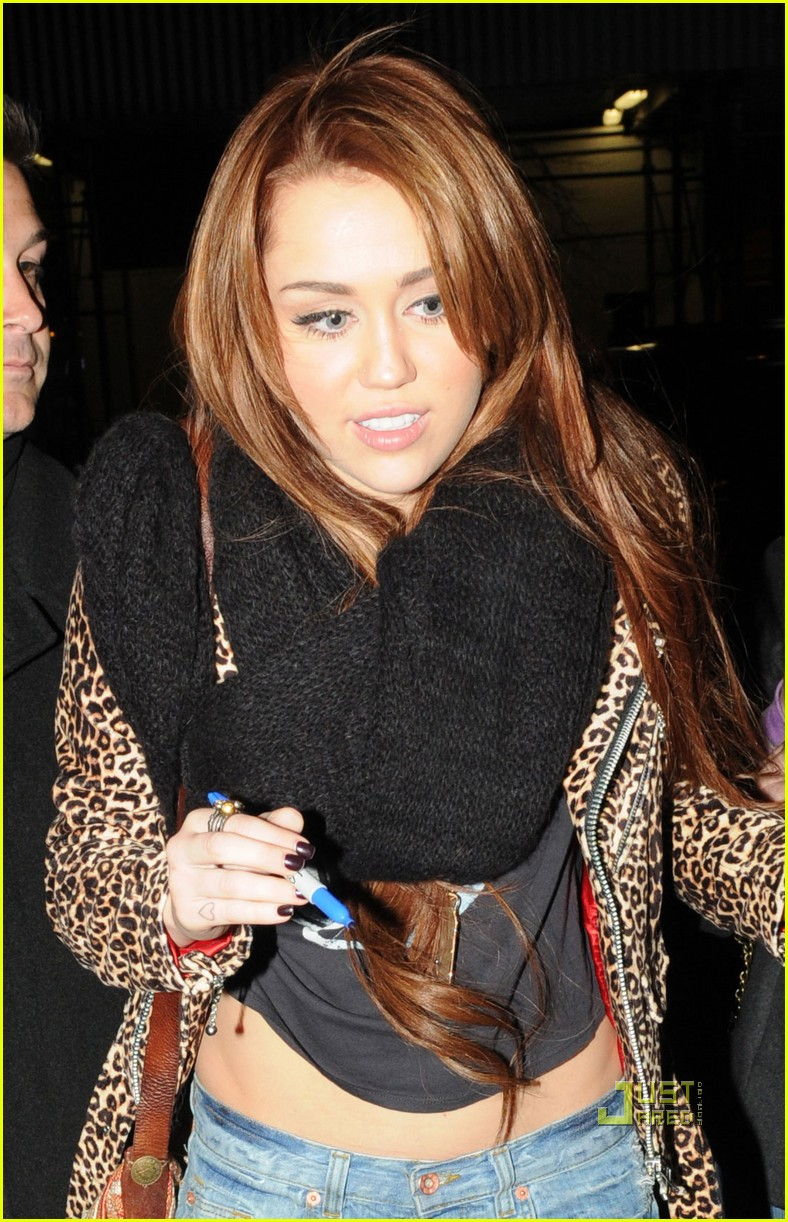 miley cyrus snl after party 01